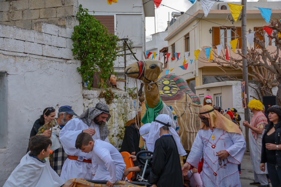 See the Camel Parade of Gerani