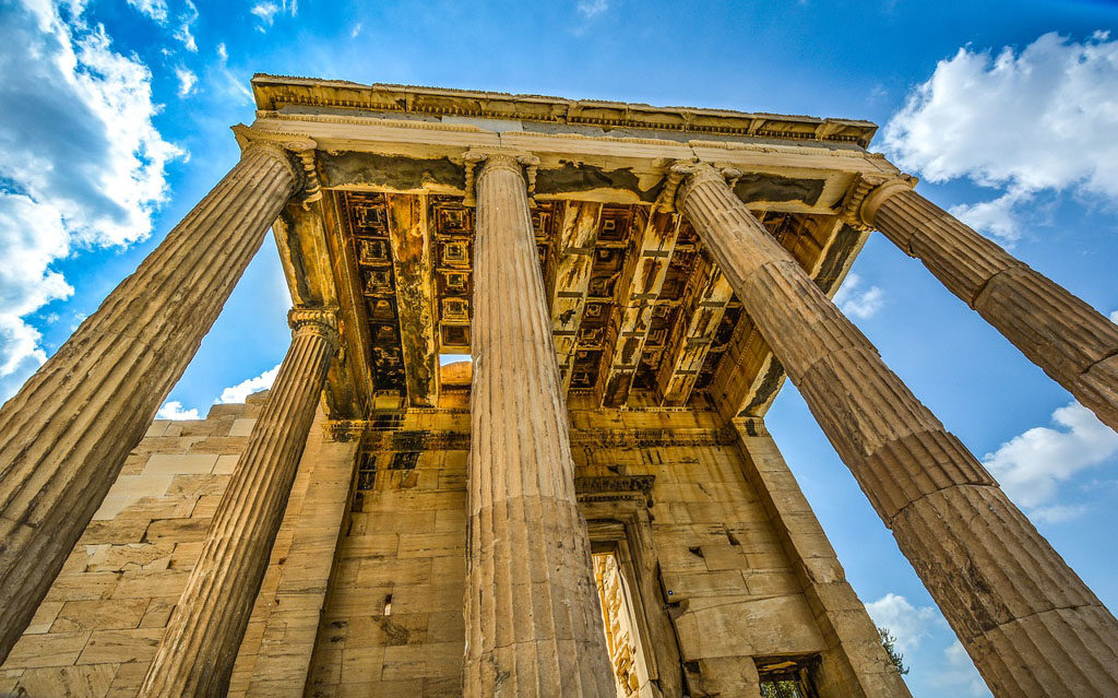 Why to Choose Greece for your Next Holiday
